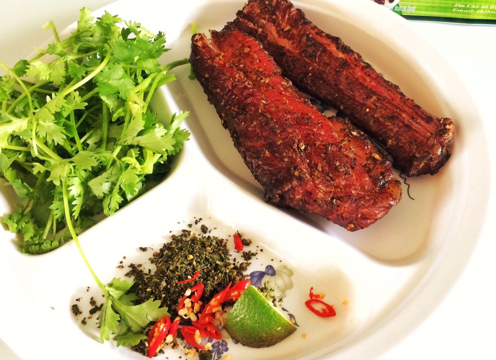 Thịt hun khói Bazana
