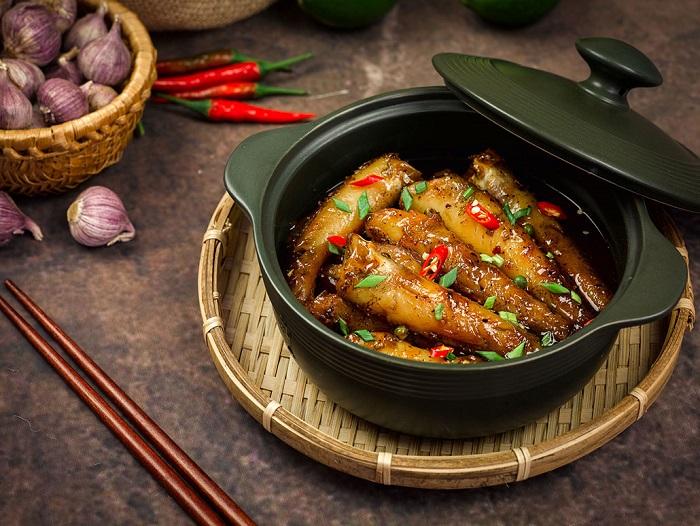 Cá bống kho nước dừa cũng là một trong những món đặc sản Bến Tre nổi tiếng được nhiều người yêu thích. Ảnh: cakho