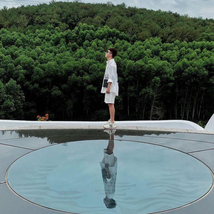 Sân thượng toà nhà Trung tâm là điểm check-in yêu thích của giới trẻ khi đến bảo tàng nghệ thuật này. Ảnh: baomoi.com