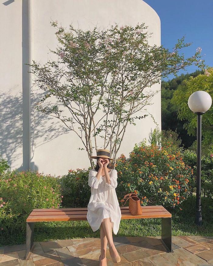 Khu vườn đầy màu sắc trong khuôn viên Không gian nghệ thuật Lê Bá Đảng
